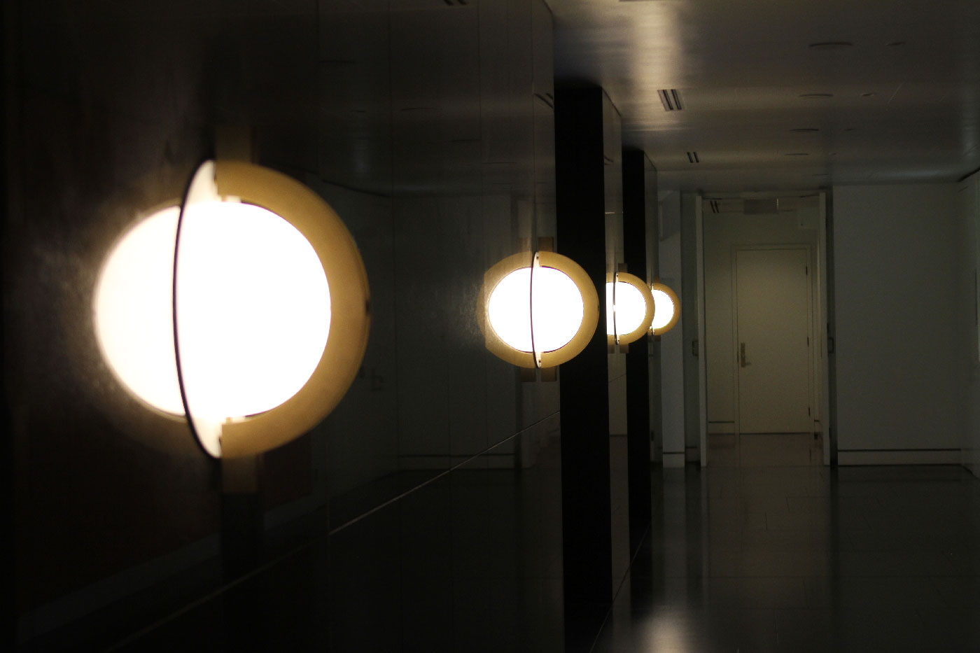 parliament house lighting